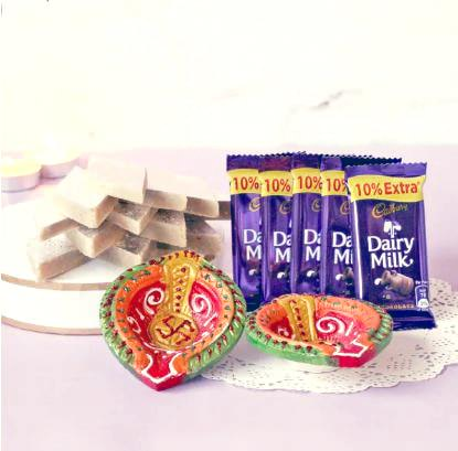 Ethnic Diyas and Sweet combo